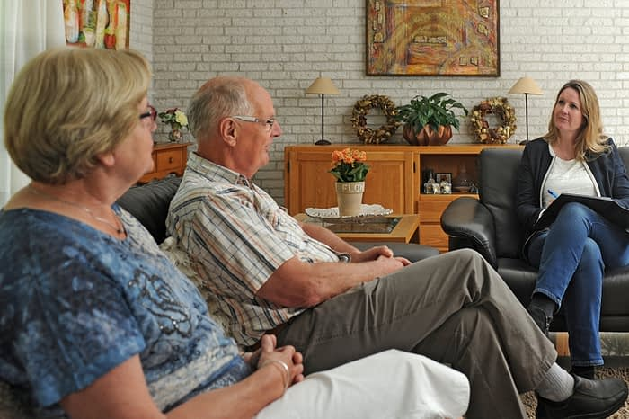 Franchisegever Desiree Haartsen Letselschade in gesprek met clienten
